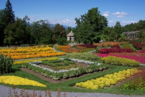Mohonk Mountain House: formal garden & stone house